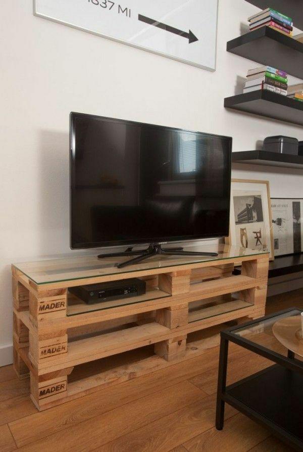 meuble télé avec palette